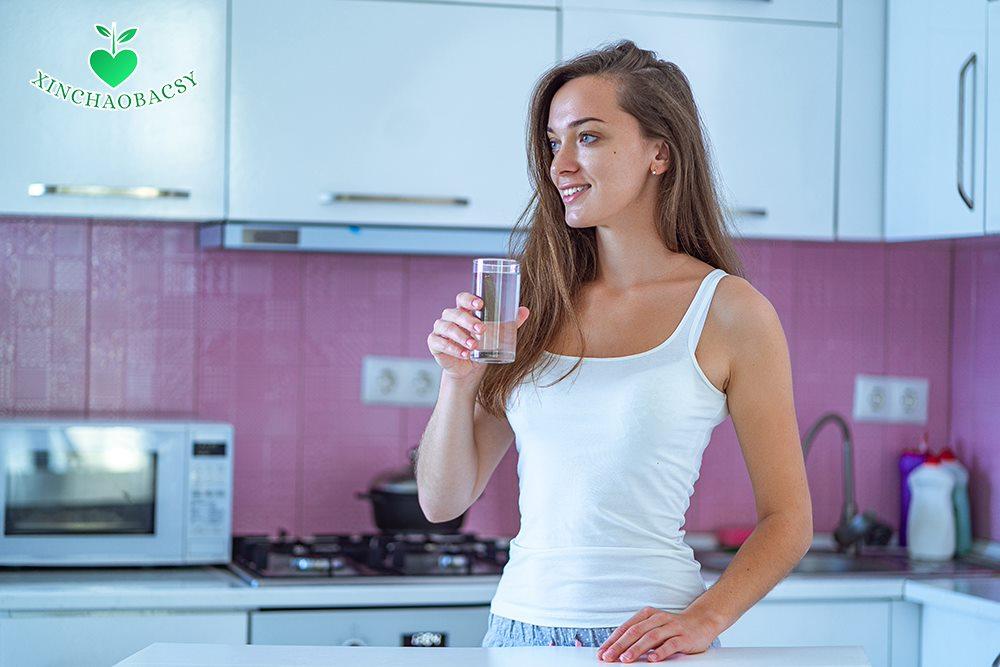 Tụt huyết áp uống gì để nhanh ổn định lại huyết áp?